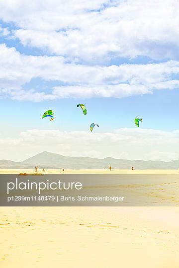 Strandleben - p1299m1148479 von Boris Schmalenberger