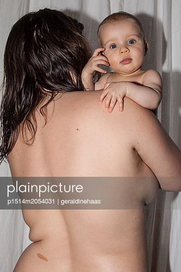 Mutter und Tochter - p1514m2054031 von geraldinehaas