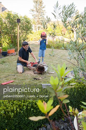 Gardening with grandpa - p454m2293067 by Lubitz + Dorner