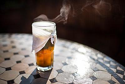 Mint tea - p1007m2092422 by Tilby Vattard