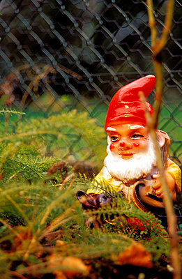 Garden gnome - p1340039 by visual2020vision