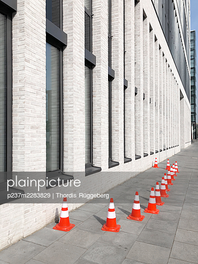 Traffic cones on the pavement - p237m2283829 by Thordis Rüggeberg