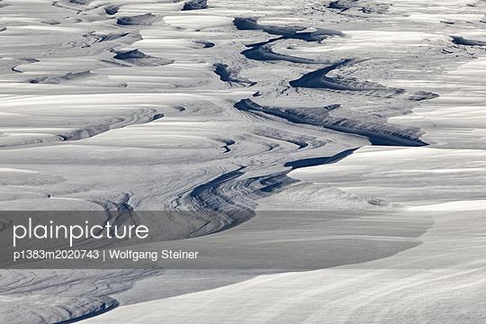 Schneeverwehungen - p1383m2020743 von Wolfgang Steiner