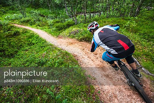 p343m1090336 von Elias Kunosson