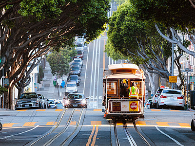 Cable car on the hills of San Francisco, California, USA - p651m2007122 by Matteo Colombo photography