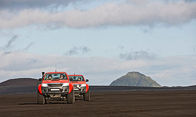 Customised SUVs on the Icelandic highlands;  Maelifellssandur;  Fjallabak;  Iceland - p429m860232f by Henn Photography