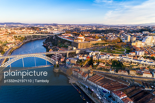 Portugal, Porto, Aerial view of Luis bridge on the Douro and the monastery - p1332m2197110 by Tamboly