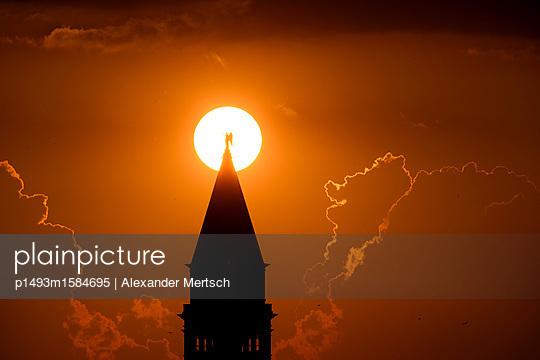 p1493m1584695 by Alexander Mertsch