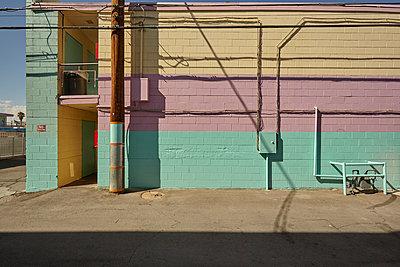 Rückseite des abgerissenen Tod Motor Hotel in Las Vegas - p1525m2099174 von Hergen Schimpf