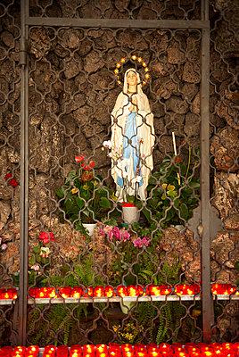 Altar - p1259m1064568 by J.-P. Westermann