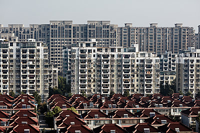 China, Shanghai, Buildings in city - p352m1349138 by Fredrik Ottosson