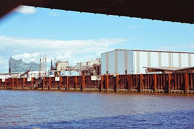 Hamburger Hafen  - p432m1465273 von mia takahara