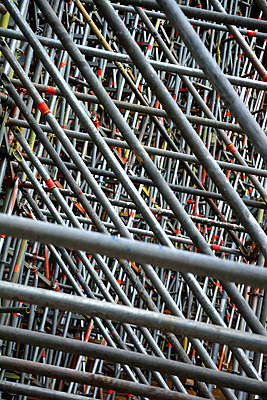 scaffolding - p876m1573441 by ganguin