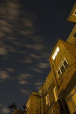 Backyard bei Nacht - p1079m1184945 von Ulrich Mertens