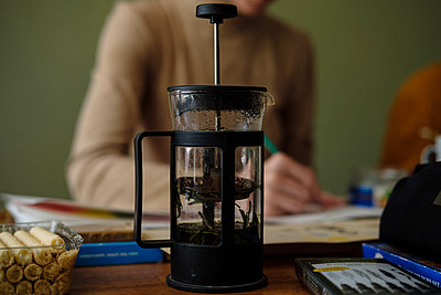 French press in drawing class - p1363m2141673 by Valery Skurydin