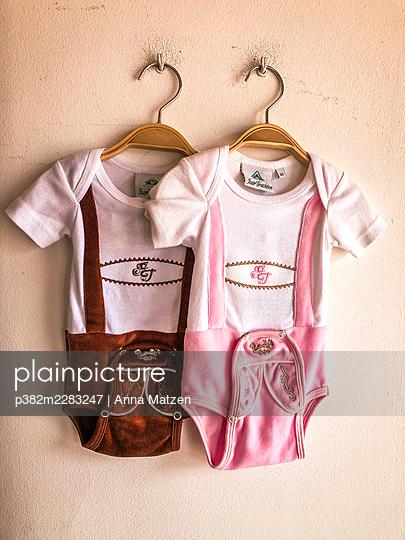 Lederhosen body for the baby - p382m2283247 by Anna Matzen
