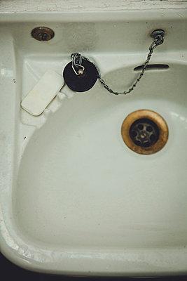 Waschbecken - p904m902509 von Stefanie Päffgen