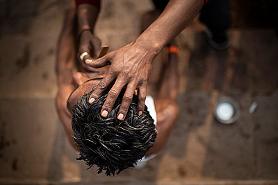 India, Hairdresser - p1007m2099052 by Tilby Vattard