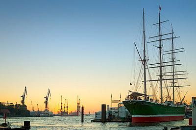 Cap San Diego in port - p416m990891 by Jörg Dickmann