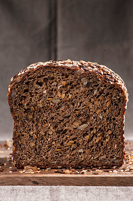 Bread - p936m939562 by Mike Hofstetter