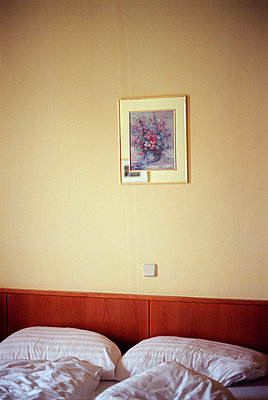 Österreich, Ybbs, Hotelzimmer - p2680345 von Andrea Völkel