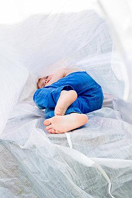 Schlafendes Kind - p1308m2057169 von felice douglas