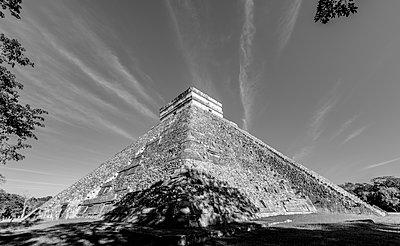 The Mayan Ruins of Chichen Itza, UNESCO World Heritage Site, Yucatan, Mexico, North America - p871m2209550 by Spencer Clark