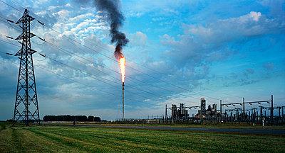 Ölraffinerie - p1132m925516 von Mischa Keijser