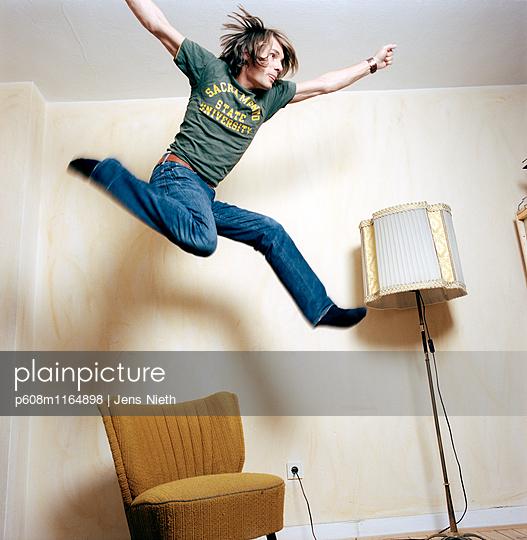 Jump - p608m1164898 von Jens Nieth