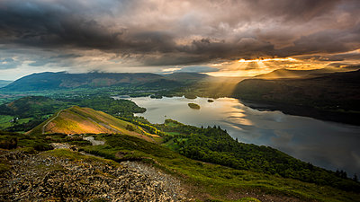 Sunrise over Derwentwater from the ridge leading to Catbells in the Lake District National Park, UNESCO World Heritage Site, Cumbria, England, United Kingdom, Europe - p871m1583782 by George Robertson
