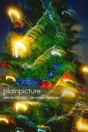 Weihnachtsbaum - p1418m1571300 von Jan Håkan Dahlström