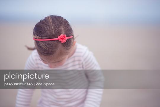 p1459m1525145 von Zoe Space