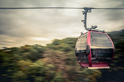 Cable car in motion, Thale, Saxony-Anhalt, Germany - p300m2143682 by Frank Röder