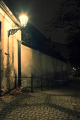 Gasse in Krakau bei Nacht - p3300274 von Harald Braun