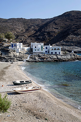 Houses on the seashore - p445m1159658 by Marie Docher