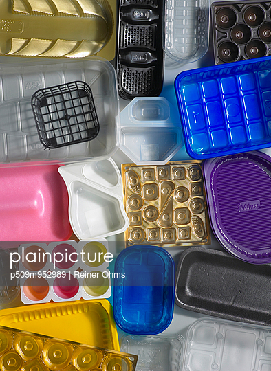 Plastic packages - p509m952989 by Reiner Ohms