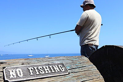 No fishing - p0452865 by Jasmin Sander
