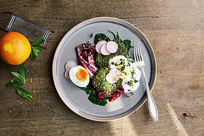 Organic egg salad - p1276m1200019 by LIQUID