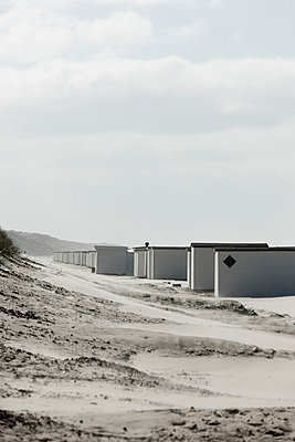 Bathing houses - p248m952906 by BY