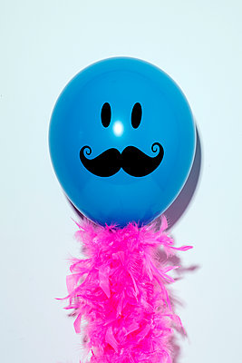 Balloon with a moustache and pink feathers - p1423m2026192 by JUAN MOYANO