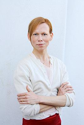 Portrait - p258m885467 von Katarzyna Sonnewend