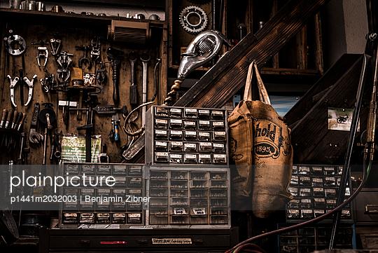Werkstatt - p1441m2032003 von Benjamin Zibner
