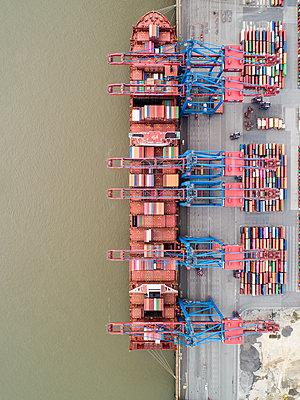 Containerterminal Burchardkai, Luftaufnahme - p1079m2175932 von Ulrich Mertens