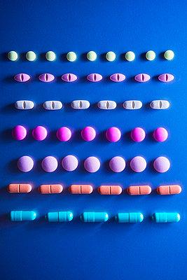 Tablets - p1149m1590675 by Yvonne Röder