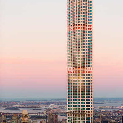 432 Park Avenue Building, New York City, USA - p1542m2142342 von Roger Grasas