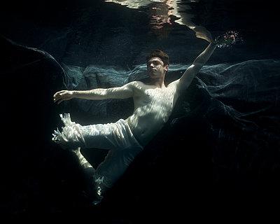 underwater Ballet Dancer - p1554m2158955 by Tina Gutierrez
