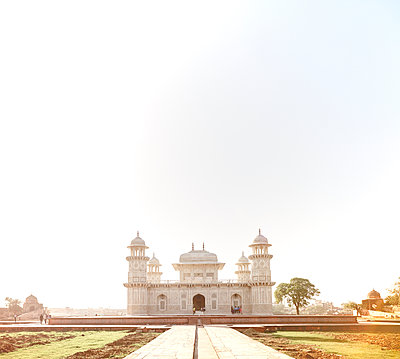 India, Uttar Pradesh, Agra, Tomb of Itimad-ud-Daulah - p300m1113261f by Dieter Schewig