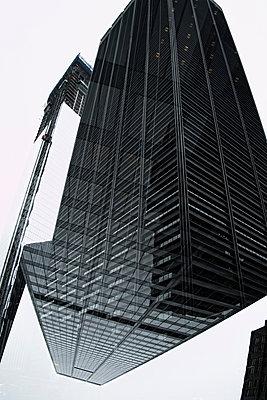 Multi-layered effect of corporate skyscraper - p301m960807f by Michael Mann