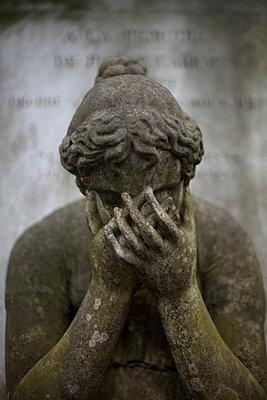 Sorrow - p1028m1552847 von Jean Marmeisse