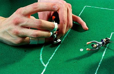 Tipp-Kick spielen - p2290019 von Martin Langer